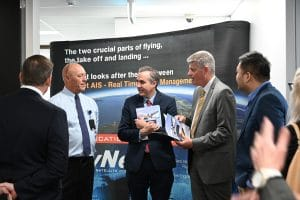 SkyNet Aviation impresses Queensland Minister for Innovation the Hon. Stirling Hinchliffe with world-leading flight tracking technology